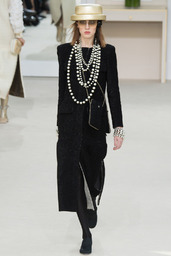 CHANEL_2016_17AW_Pret_a_Porter_Collection_runway_gallery-53-171-256
